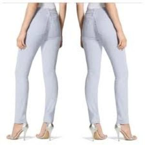 CHICO'S Platinum Ultimate Fit Light Wash Jeans 1